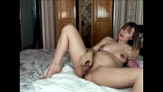 Gorgeous pregnant and her dildo